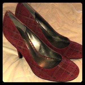 Jessica Simpson tartan heels!